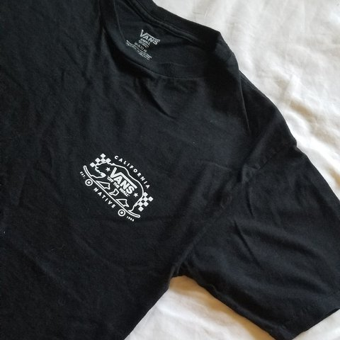 9d6c6034bc Vans small black tshirt with pocket logo