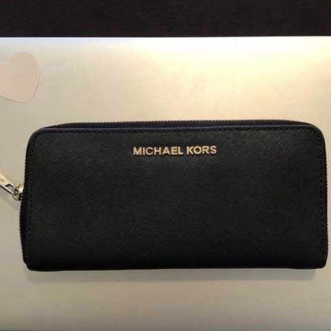 799d4bd9efe9 @simlr. last year. Schofields, Australia. GENUINE Michael Kors wallet.  Saffiano Leather! Perfect condition!