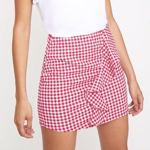0976f568c7d @maddieatkinson221. 22 days ago. Newcastle Upon Tyne, United Kingdom. super  cute Prettylittlething gingham frill red and white checkered mini skirt