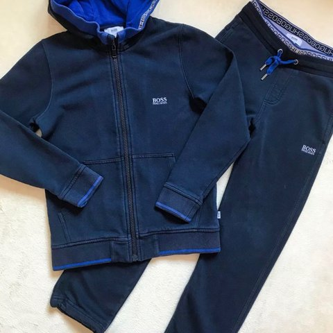 d01f6dcee GORGEOUS HUGO BOSS DESIGNER BOYS TRACKSUIT AGE 6-7 YEARS in - Depop