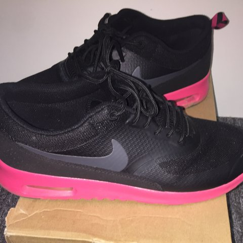 ee5ad85488 @estaa. 2 years ago. Leicester, United Kingdom. Nike Thea Black & pink