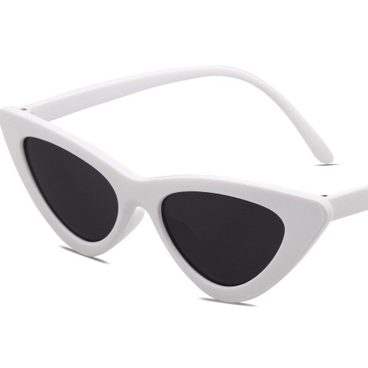 ef8a51bc702 Brand new point white clout goggles