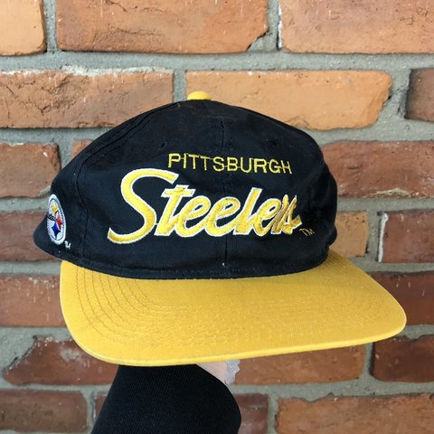 79fae1c4a5310 Vintage 90s Pittsburg Steelers sports specialties the twill - Depop