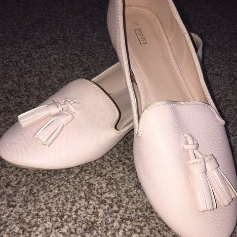 9beab9615eec Baby pink pumps Never worn Brand new Size 5 womens  top - Depop