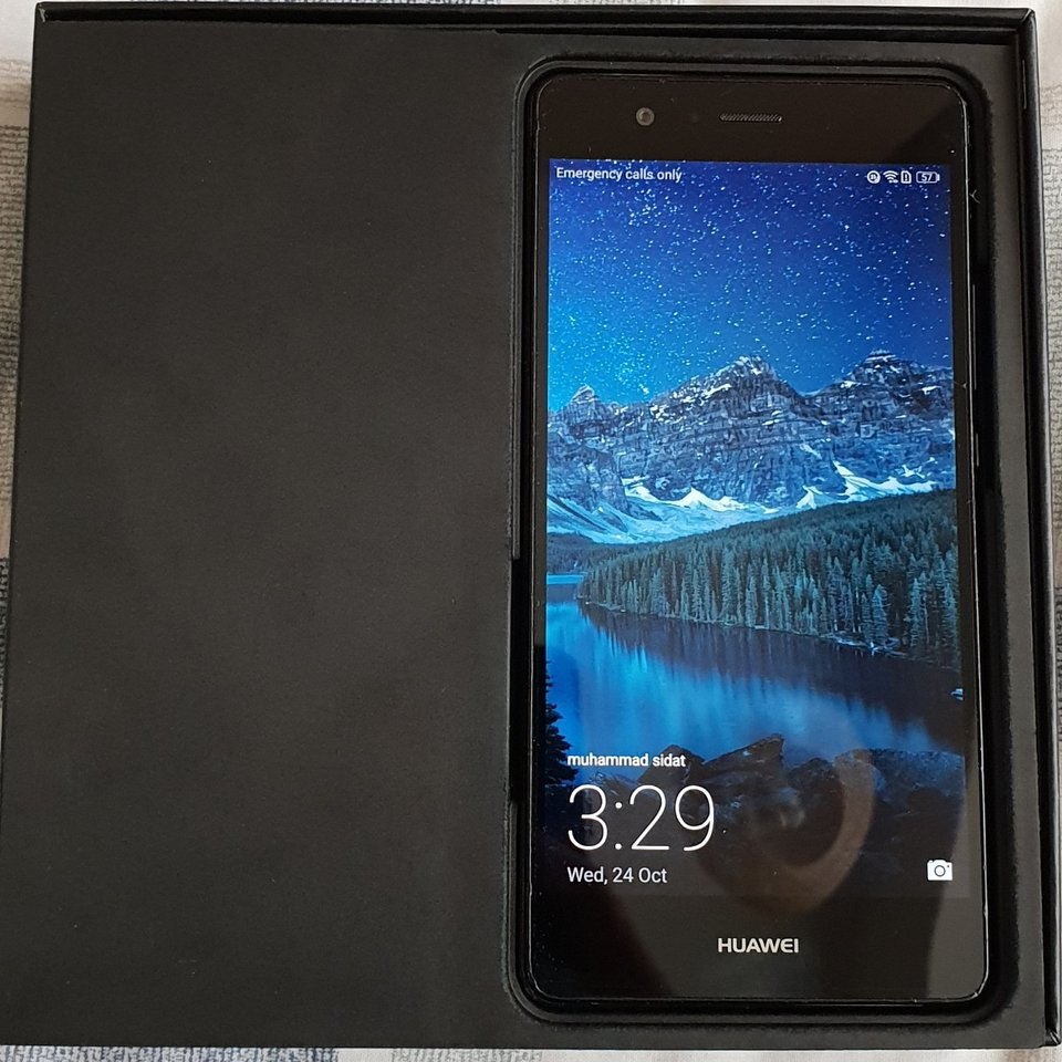 Huawei p9 lite smartphone Android Boxed with charger    - Depop