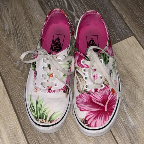 039c6b3c0a3fcc Size 7 (women s) floral vans 🌺 only been worn twice!  vans - Depop