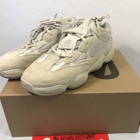 872e90618 Adidas Yeezy 500 Desert Rat Blushes Size 10.5 Condition US - Depop