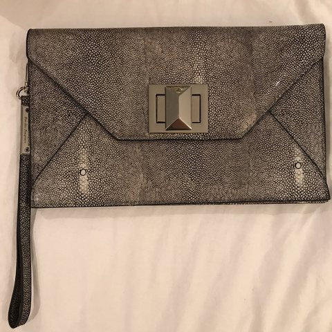 BCBG Clutch Great condition 4ad10f89fba41