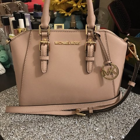 93a6991ebe75 Michael Kors blush pink purse. Like new condition, only used - Depop