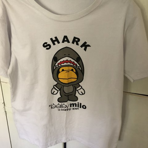 908f4ff1 @benny097. last year. Australia. BAPE Shark Baby Milo tee. Replica Size: Small  9/10 Condition ...