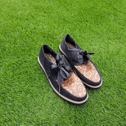 4e6432af540e Slight platform Leopard print creepers with original ribbon - Depop
