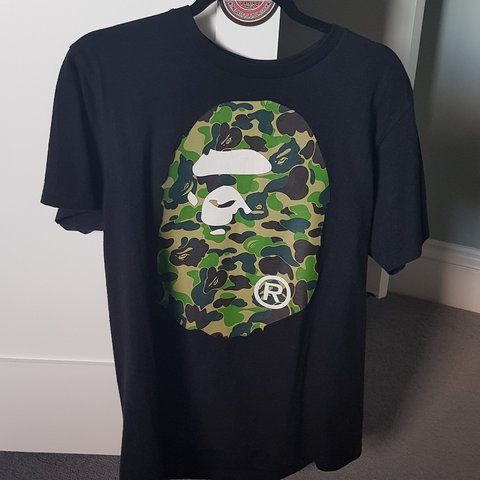 148ff89c @cam___lang. 7 months ago. West Berkshire, United Kingdom. Bape big head tee.  Camo green. Size medium 10/10 condition barely worn