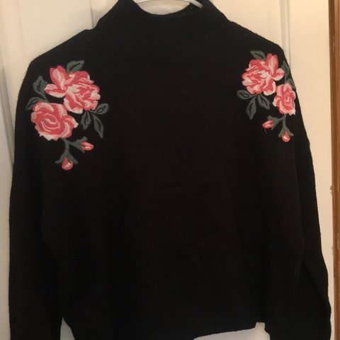 Moon Madison Long Sleeve Cropped Rose Sweater Never Worn Depop