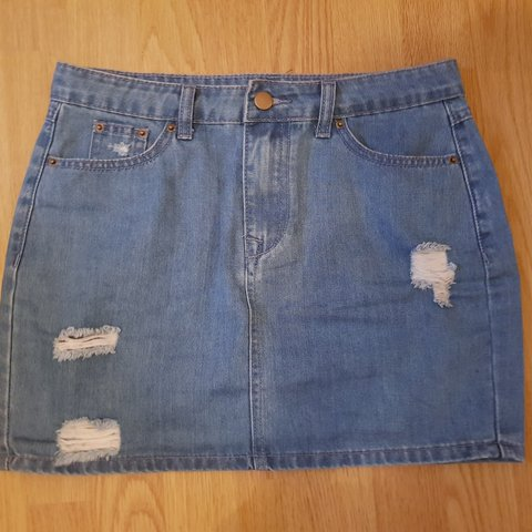 714b0960b4 @emb28_. 5 days ago. Bristol, GB. BOOHOO light wash denim ripped A line  skirt!