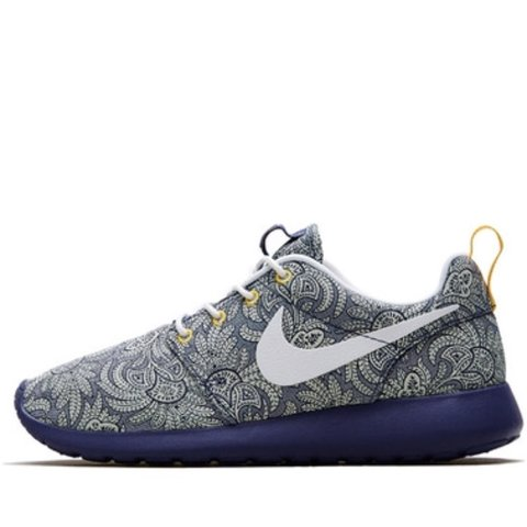 nike roshe run liberty