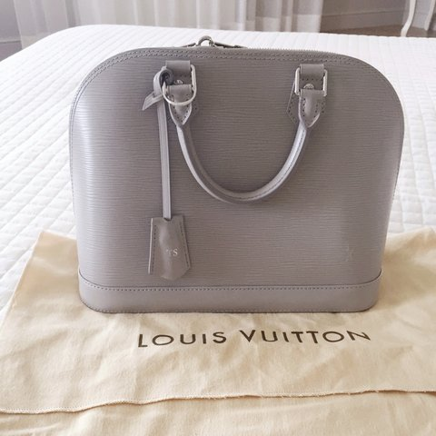 9a9f7969e19a  januta. 4 years ago. Италия. Louis Vuitton Alma PM borsa bag - epi leather  ...