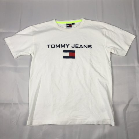 a122db17 Tommy Hilfiger Tee 10/10 condition Size M $25 DM to buy - Depop
