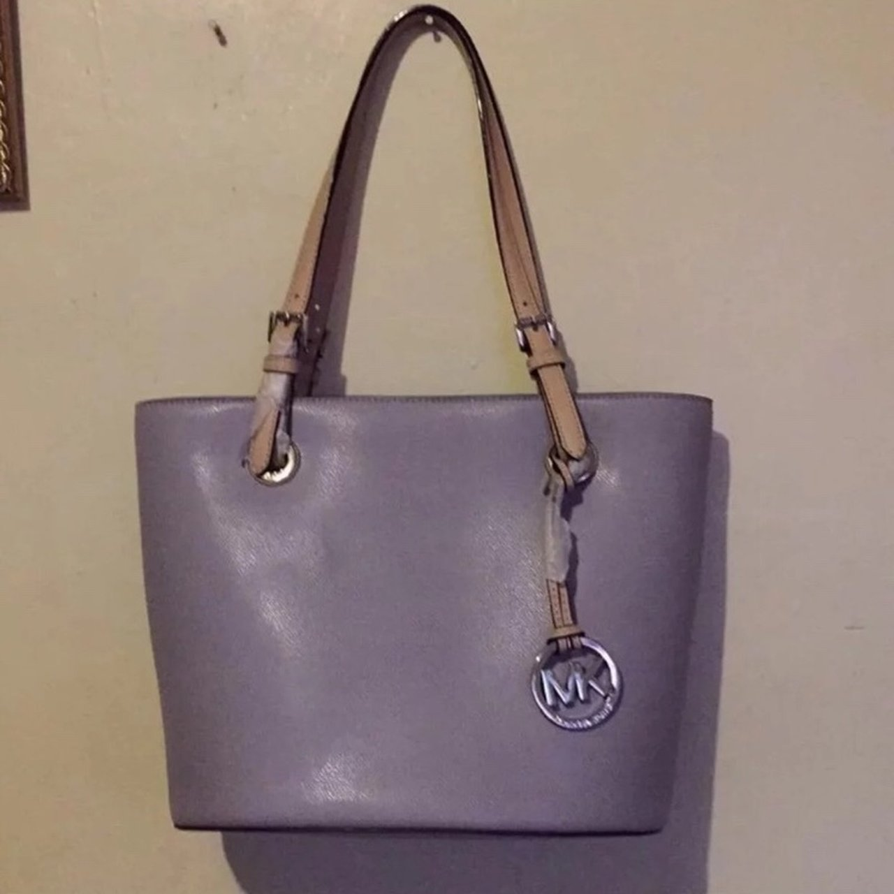 7e77d4f1628e Michael kors jet set tote bag MD tote bag Color Lilac New 4 - Depop
