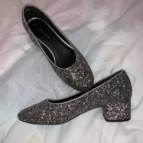 c7c817f4610c Very cute sparkly shoes from NEW LOOK! Size 6 but would fit - Depop
