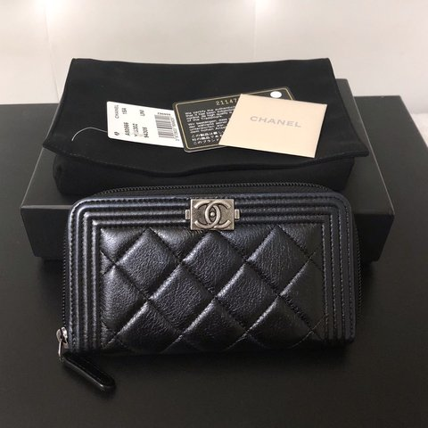 a0914199f443 Authentic Chanel Boy Zip/Zippy Wallet in Black Iridescent is - Depop