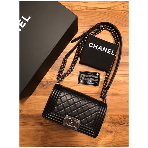 a06bbe412b28 @alldes. 4 months ago. United States. Authentic Chanel Classic Medium Large  Flap Bag in Quilted Black Caviar and Silver Tone hardware ...