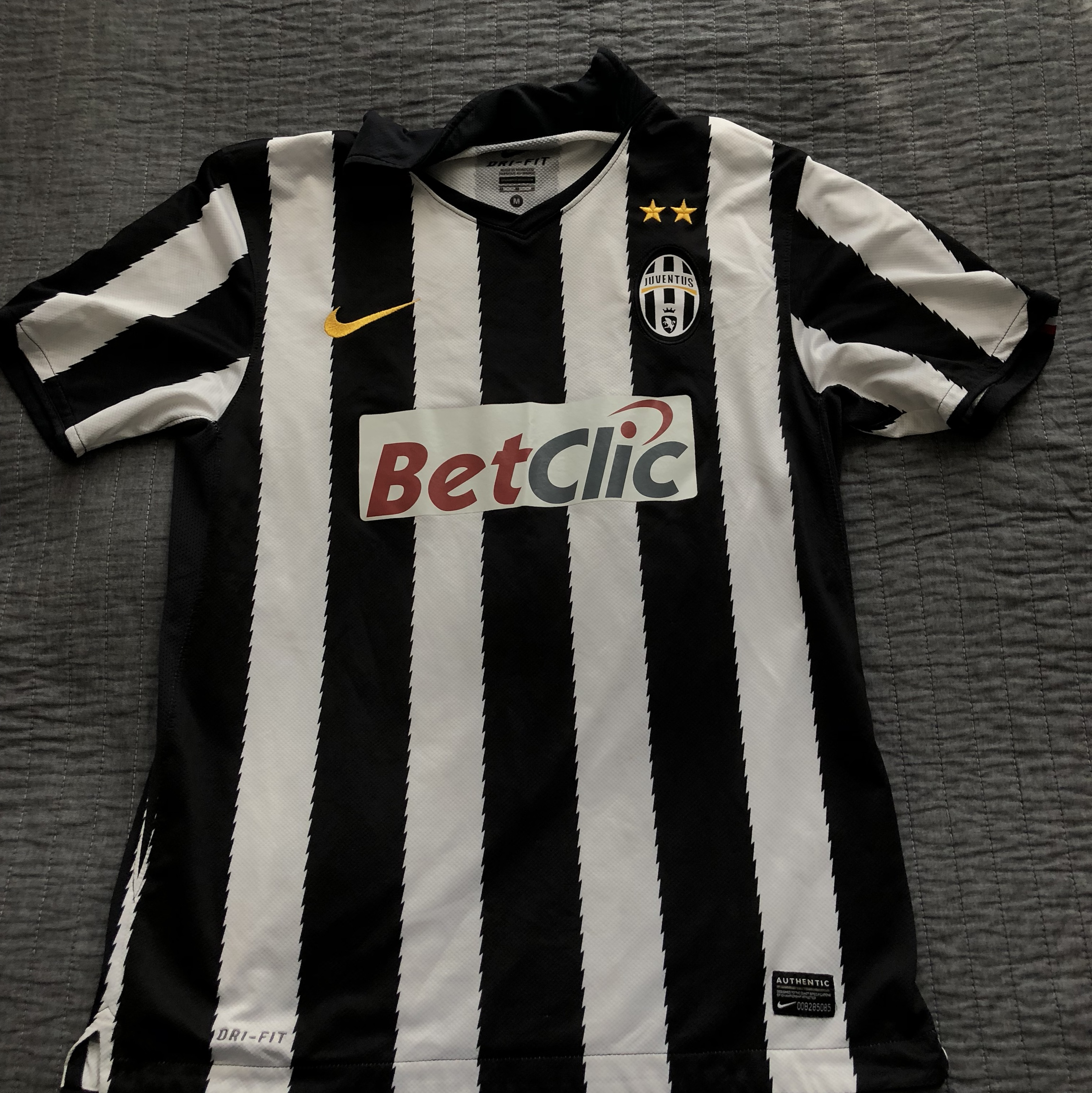 best service b88ec 7da4e here we have the 2010-11 Juventus home jersey. The... - Depop