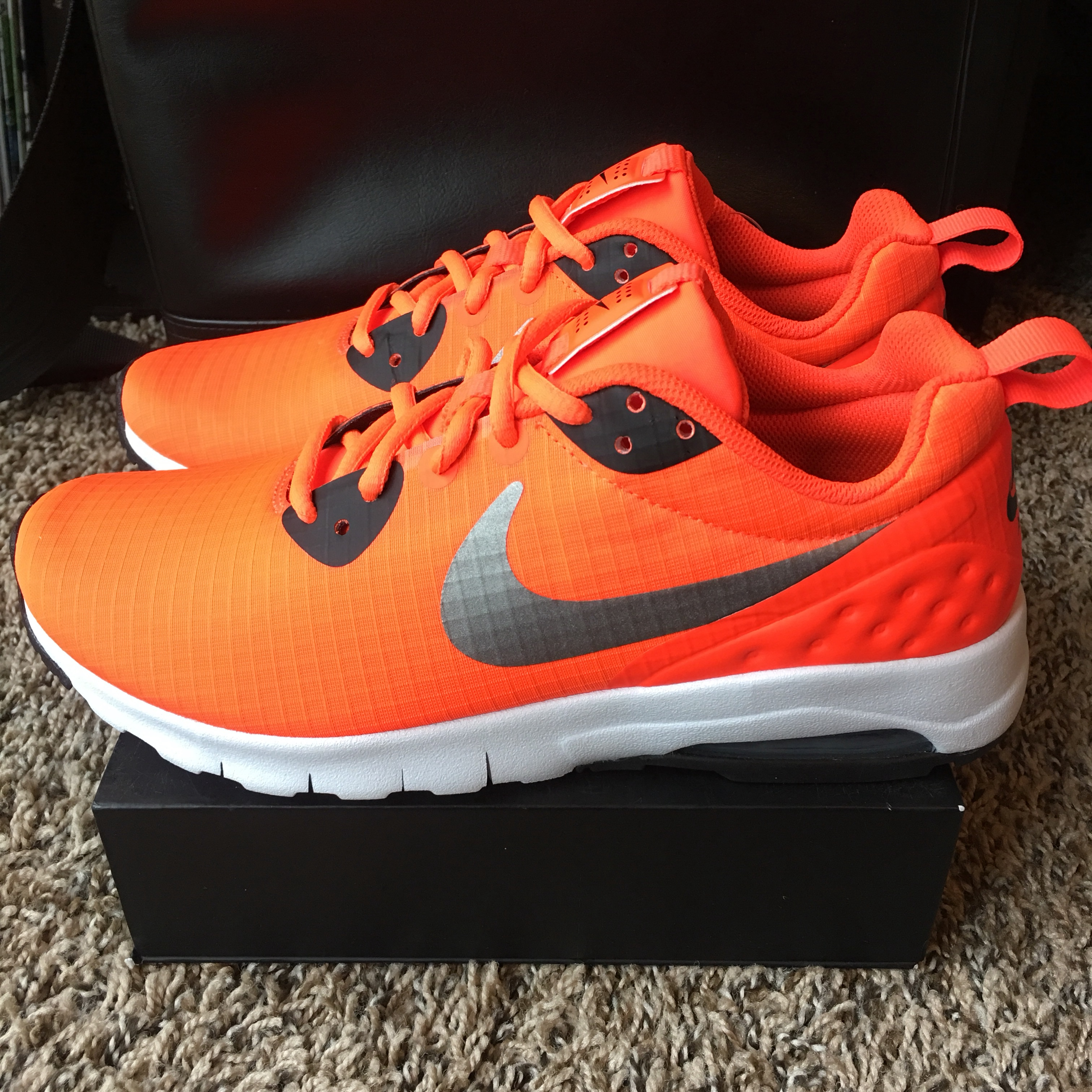 NEW NIKE Air Max Motion LW SE Women's Training Shoes