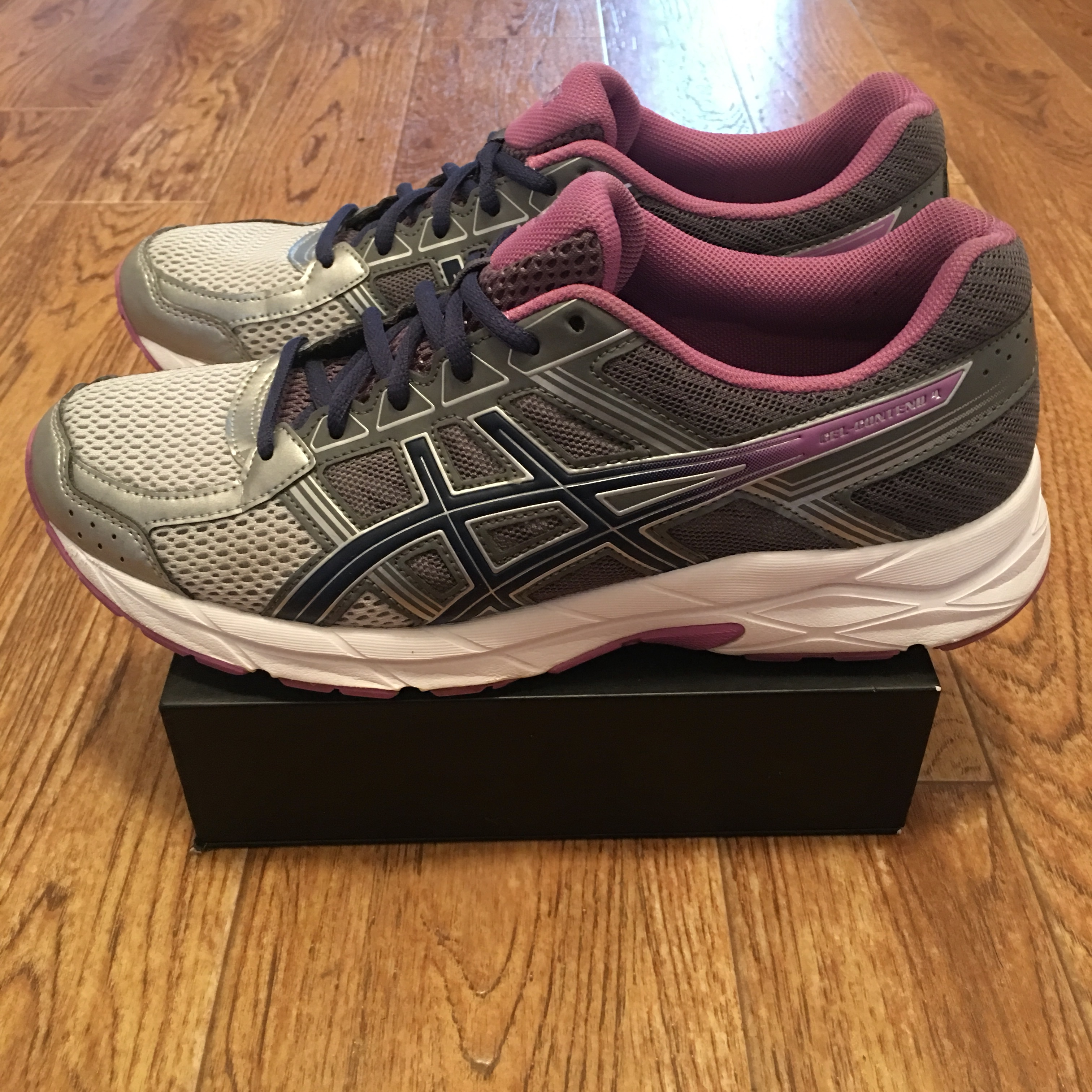 online store 4ad9a f0fe2 Gently used ASICS Gel-Contend 4 Women's Running... - Depop