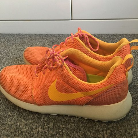 b9b17048592c Nike roshe runs. White orange and yellow. Size 5. A very of - Depop