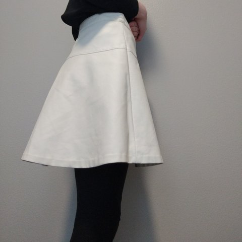 b8cac7caf @lillywhere. 5 months ago. United States, US. Banana Republic faux leather white  skirt