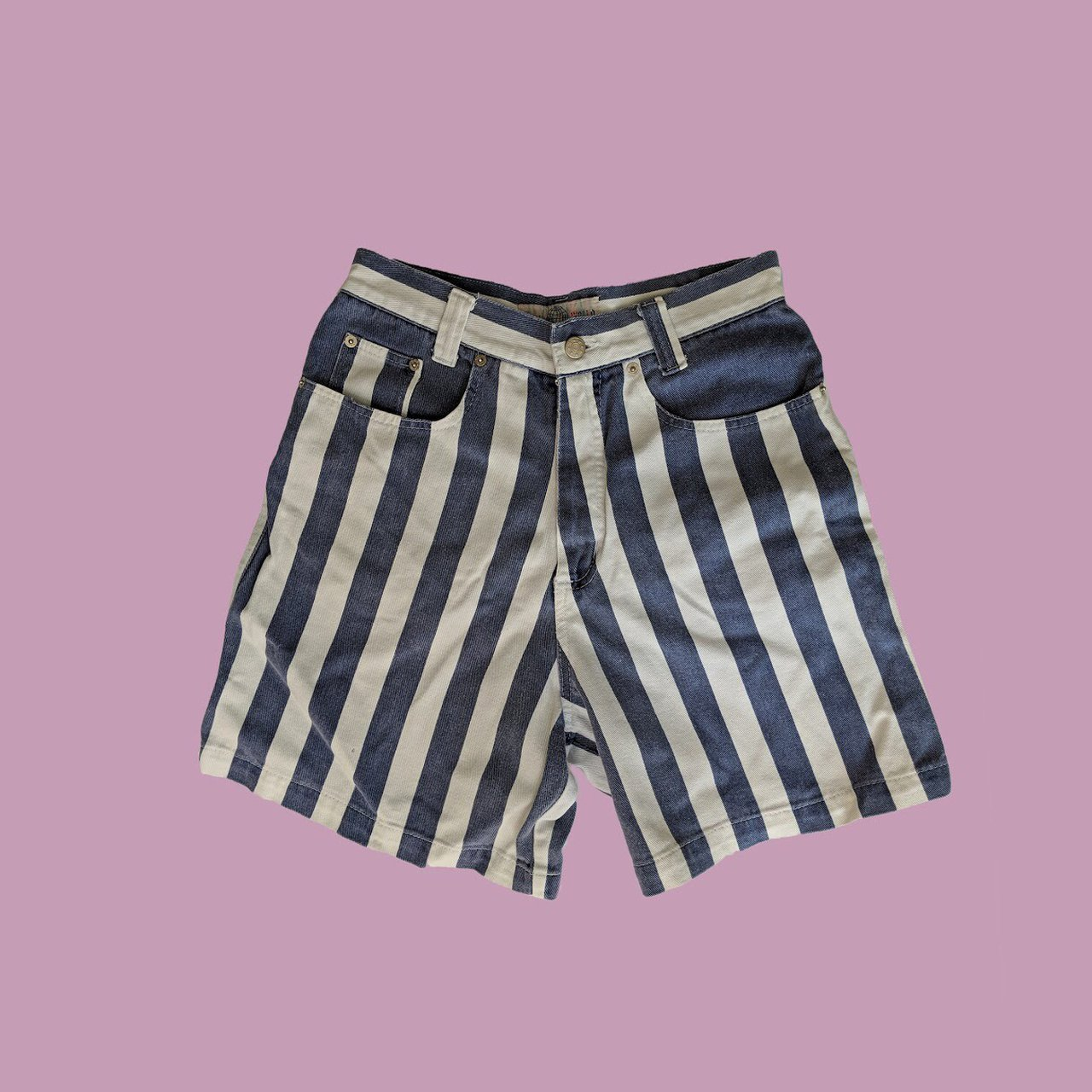 e4b6f2d7d3a0 Vintage high-waisted striped denim shorts. These classic UK - Depop