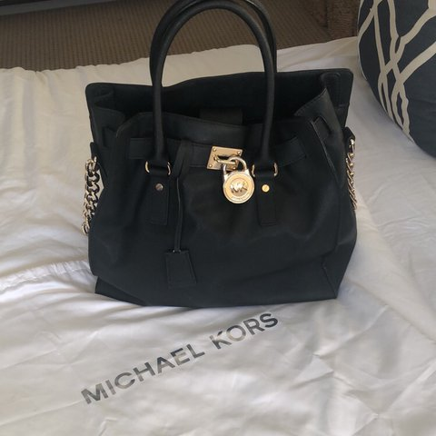 6acf00cf237d1b @katedaly88. 2 months ago. Oldham, United Kingdom. ✨ Michael Kors Hamilton  North/South Black Leather Tote ✨