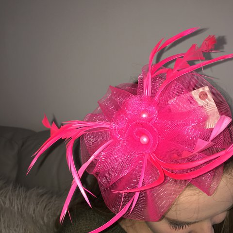 Cerise pink fascinator. Brand new and never worn 1a9f06c530f