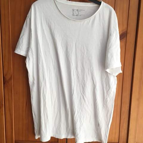 26d682281d1c Men's Basic white t-shirt. Primark, Size L. Can be for women - Depop