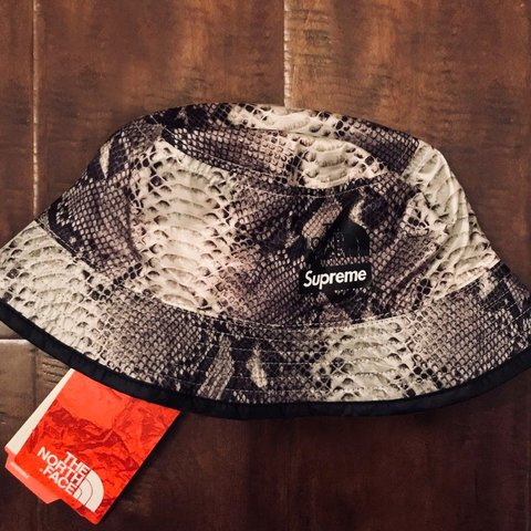 d4fdbf451774 Supreme® The North Face® Snakeskin Packable Reversible Black - Depop