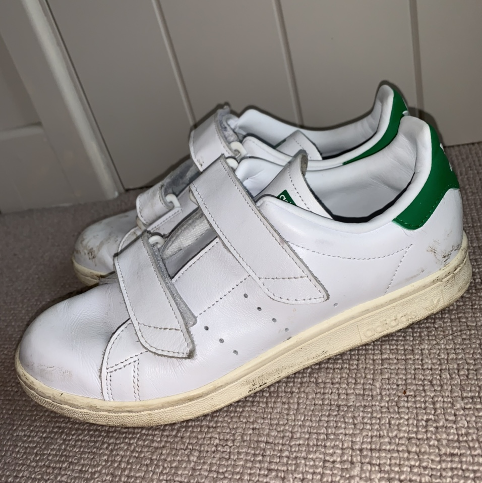 White velcro adidas trainers , Bought from a Nike...