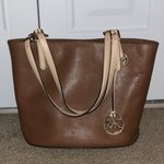 39c8fb20e372 Authentic Michael Kors large Mercer Pebbled Leather Tote - Depop