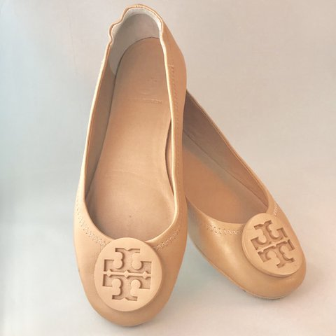2d4a16045 Tory Burch Women s Minnie Travel Ballet Flats Color  Goan - Depop