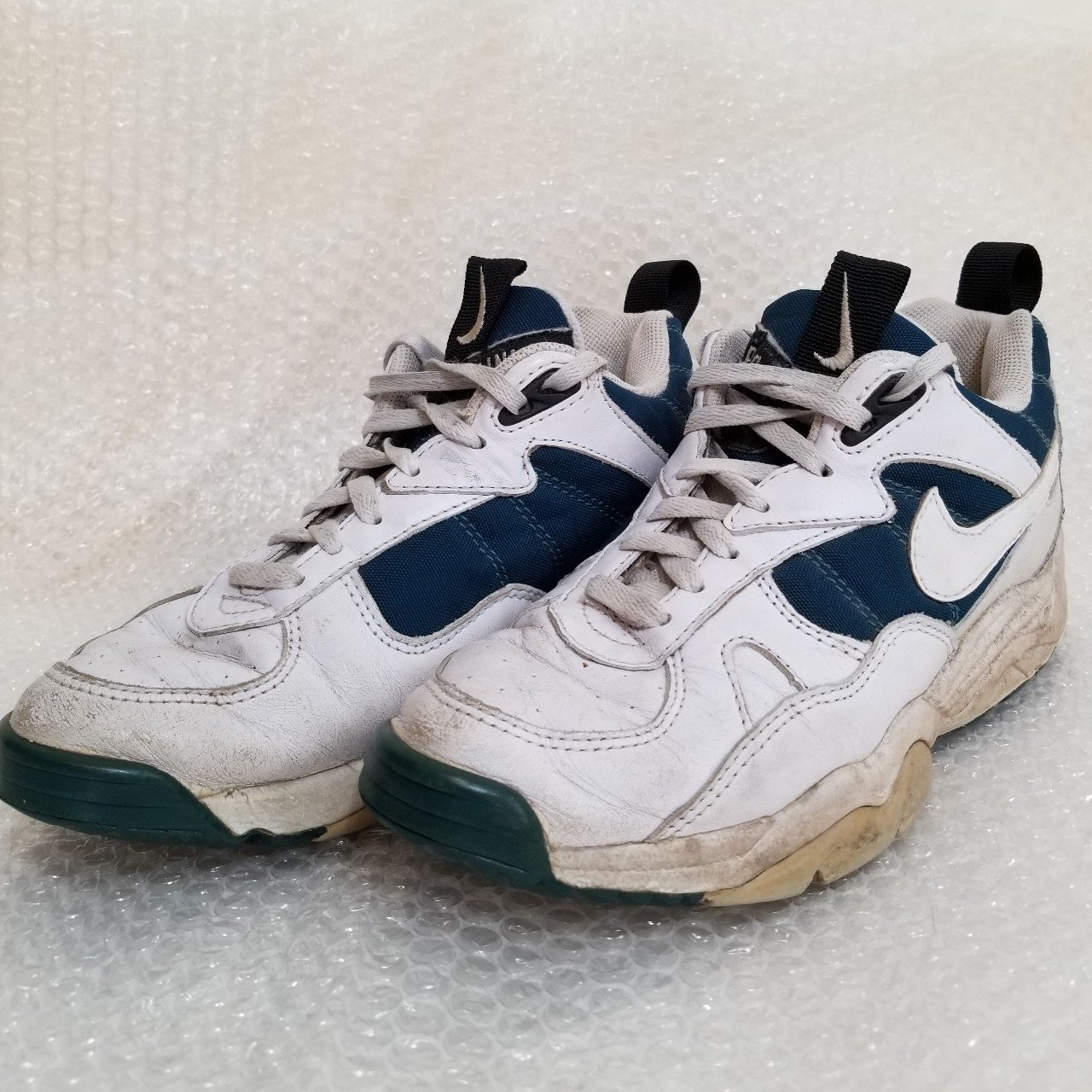 1338f3c566 Vintage 90s Nike Air Coss Training tennis shoes. These are a - Depop