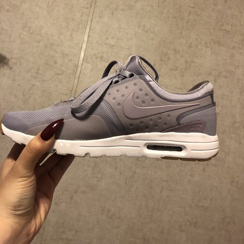 050d18e1c9e70 Nike Airmax 90 Zero Purple Like new condition Very light - Depop