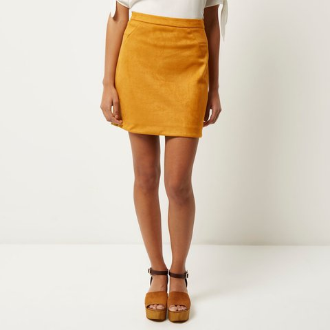 2f25cd4aa19 🌻🍂🍁MUSTARD SUEDE MINI SKIRT🍁🍂🌻  riverisland  suede - Depop