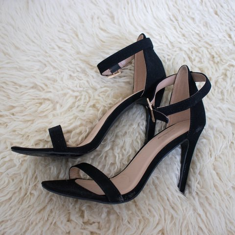 1709adc9f1da Black Strappy Sandals size  7 condition  worn 2-3x