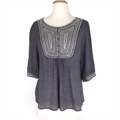 8656a859344835 Gray Women s Embroidered Partial Button Down Boho Top Size M - Depop