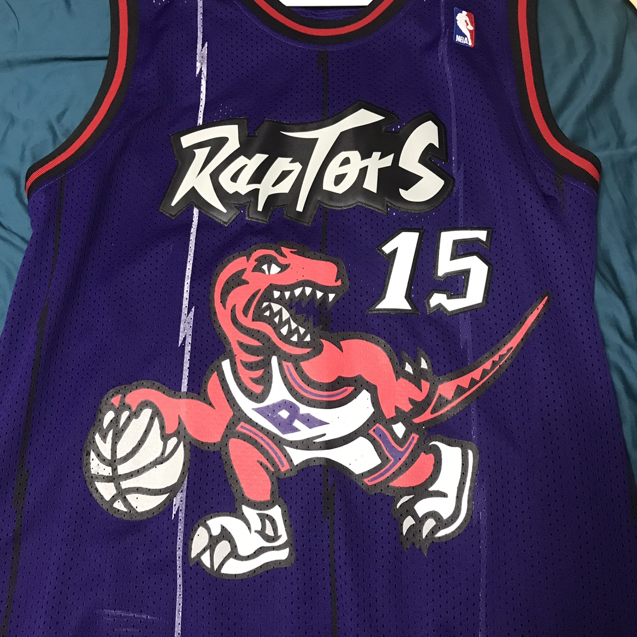 differently 9f42f 84813 Vince carter throwback raptors jersey Large but fits... - Depop