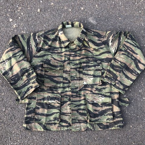 Us Army Surplus >> Vintage Us Army Surplus 1960 S Tiger Camo Over Shirt Shirt Depop