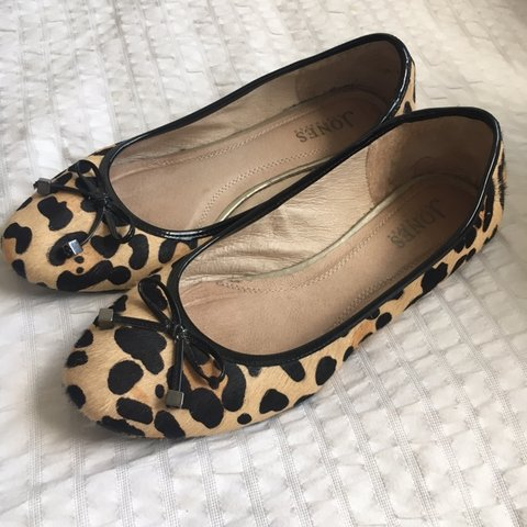 523ad1315 Women's Jones' leopard print ballet pumps/ loafers size worn - Depop