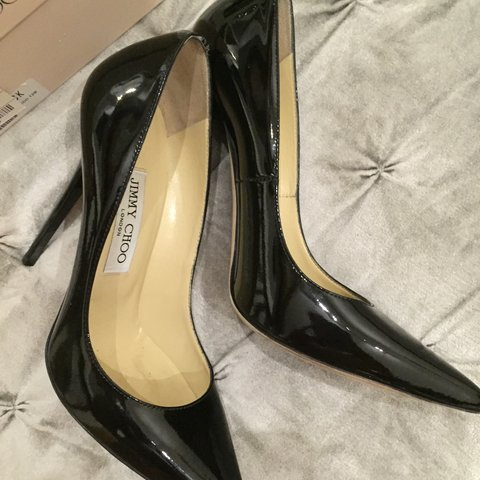 fe2b5e030c09 Jimmy Choo Anouk pumps in great condition