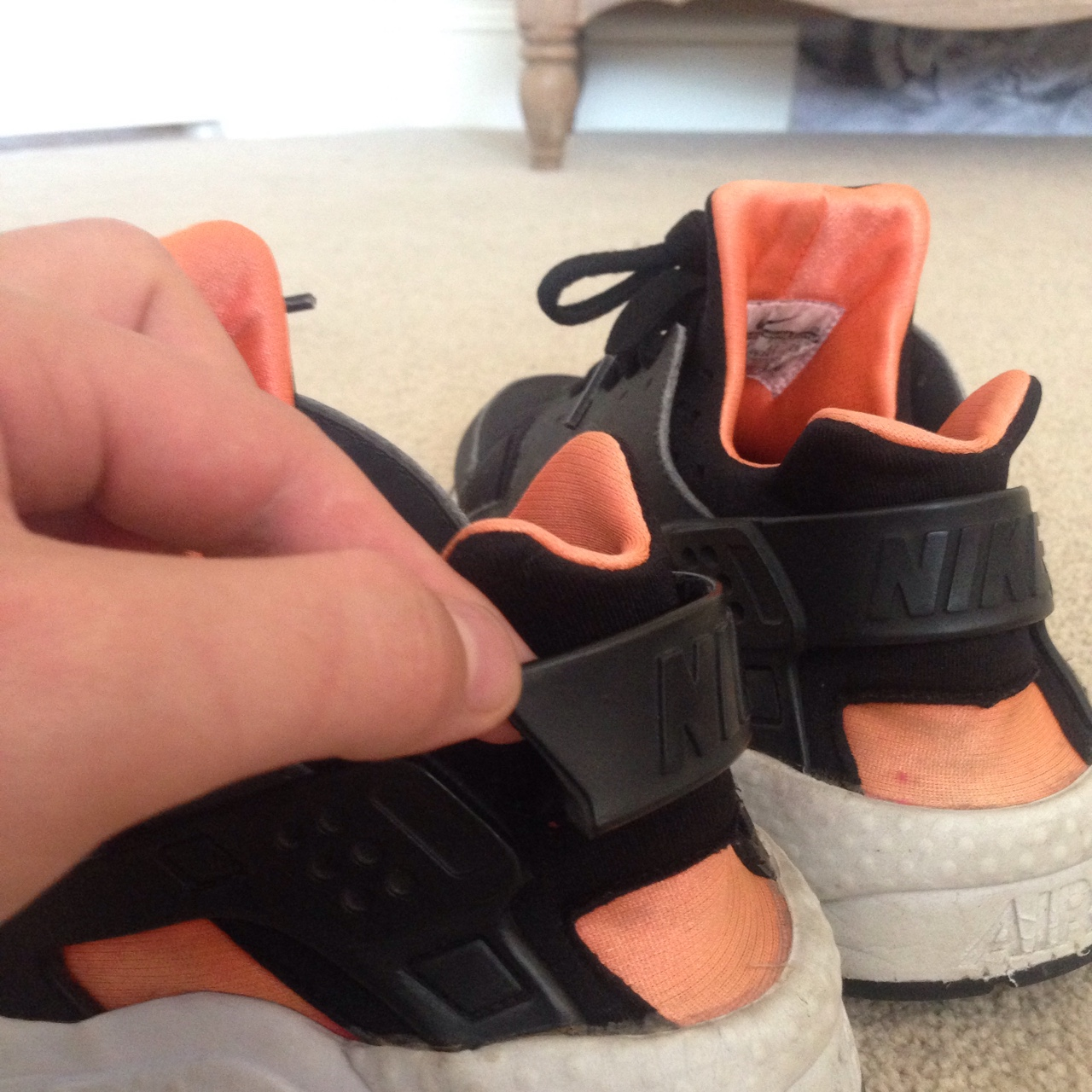 timeless design 7fafd 33fbe Nike huaraches one strap snapped can be glued on... - Depop