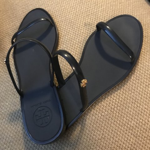 ab56327a2  xxchase. 5 months ago. United States. Tory Burch Jelly sandals. Only worn  a few times in very good ...