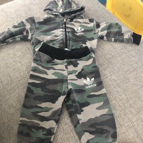 915d8e4b0cdd0 Baby boys Adidas tracksuit size 3-6 months #Adidas #baby - Depop